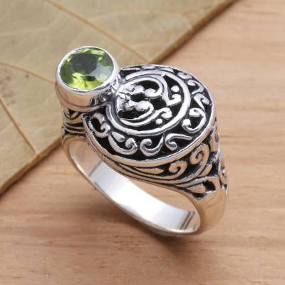 Men's peridot ring, 'Evergreen' - Men's Unique Sterling Silver and Peridot Ring