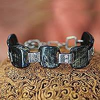 Featured review for Horn link bracelet, Lombok Island