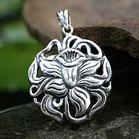 Sterling silver pendant, 'Radiant Daffodil' - Sterling Silver Flower Pendant
