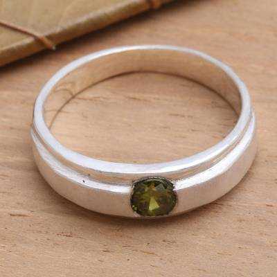 Peridot solitaire ring, 'Honeymoon' - Peridot solitaire ring