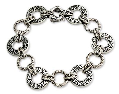 Artisan Crafted Sterling Silver Link Bracelet (7.25 inch)
