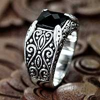 Men's onyx ring, 'Kingdom' - Men's Sterling Silver and Onyx Ring
