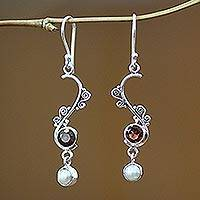 Pearl And Garnet Dangle Earrings Graceful (indonesia)