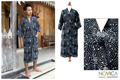 Men's cotton batik robe, 'Black Cosmos' - Men's Unique Batik Cotton Robe