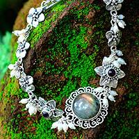 Pearl and labradorite flower bracelet, 'Angelic' (Indonesia)