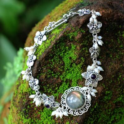 Pearl and labradorite flower bracelet, 'Angelic' - Unique Labradorite and Pearl Bracelet