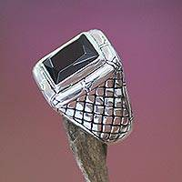 Men's onyx ring, 'Kingdom of Night' - Men's Sterling Silver and Onyx Ring