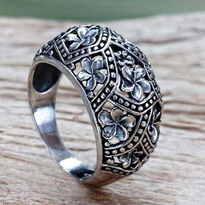 Handmade Floral Sterling Silver Dome Ring
