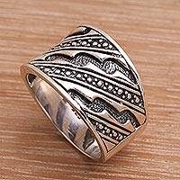 Men's sterling silver ring, 'Sanur Silence' - Men's Handcrafted Sterling Silver Band Ring