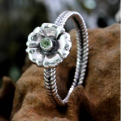earring in silver hill - Handcrafted Peridot and Silver Ring