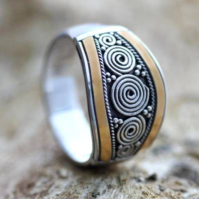 Gold accent signet ring, Celuk Legend