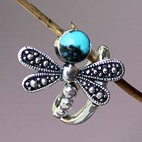 Sterling silver cocktail ring, 'Creature of Change' - Reconstituted Turquoise and Silver Dragonfly Ring