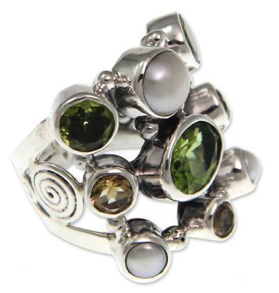 Pearl and Peridot Cluster Ring