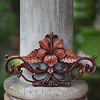 Wood wall sculpture Hibiscus Indonesia