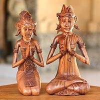 Wood statuette, 'Newlyweds' (pair) - Wood statuette (Pair)