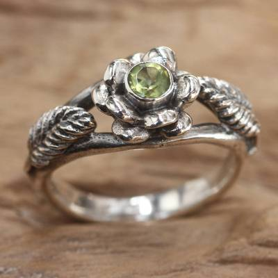 silver ring set boho beautiful - Peridot flower ring