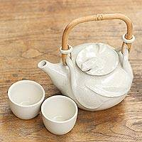 Ceramic tea set 'Peaceful White Lily' (set for 2)