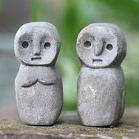 Limestone sculptures, 'Ana Deo' (pair) - Ancestral Indonesian Sculptures (Pair)