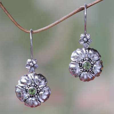 Peridot flower earrings, Hibiscus