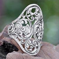 Sterling silver cocktail ring, 'Celuk Fern' (Indonesia)