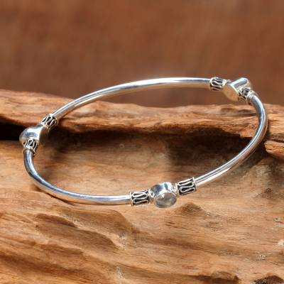 Rainbow moonstone bangle bracelet, 'Harmony of Three' (large) - Silver 925 Bangle Bracelet with Rainbow Moonstone (large)