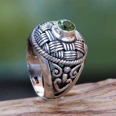 Women's Sterling Silver Cocktail Ring with Round Peridot
