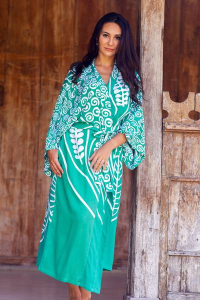 Rayon robe, 'Bali Breeze' - Women's Rayon Front Tie Silk Screened Robe in Green and Whit