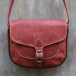Leather shoulder bag Makassar Cranberry Indonesia