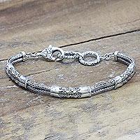 Gold accent link bracelet,