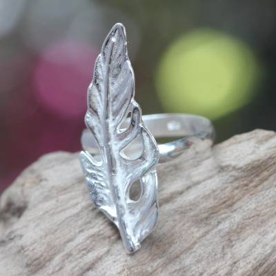 Sterling Silver Cocktail Ring with Feather Theme