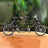 Iron statuette, 'Pit Gandeng' - Tandem Bicycle Vintage Style Iron Statuette Sculpture