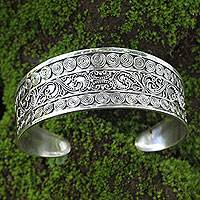 Sterling silver cuff bracelet, 'Gianyar Fascination' - Ornate One-Inch Wide Balinese Sterling Silver Cuff