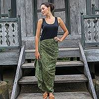 Cotton blend sarong, 'Green Coffee Bean' - Dark Olive Cotton Rayon Blend Women's Print Sarong