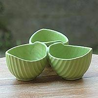 Ceramic snack bowl, 'Jungle Banana Leaf' - Light Green Leaf Motif Snack Bowl with 3 Sections