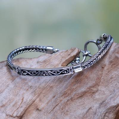 Sterling silver pendant bracelet, 'Celuk Sprout' - Leaf and Vine Themed Sterling Silver Pendant Bracelet