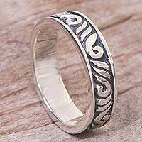 Sterling silver band ring, 'Timeless Elegance' - Indonesian 925 Sterling Silver Band Ring with Leaf Motifs
