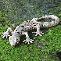 Bronze statuette, Silver Lizard - Hand-crafted Bronze Silver Lizard Statuette from Indonesia