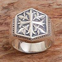 Men's sterling silver signet ring, 'Snowflake Cross' - Sterling Silver Men's Cross Signet Ring from Indonesia