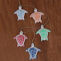 Wood garland, 'Happy Turtles' (set of 5) - Garland of 5 Handcrafted Balinese Sea Turtles in Wood