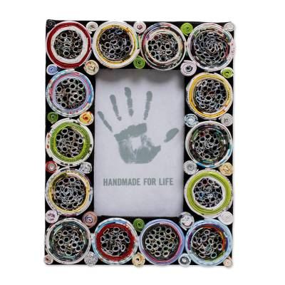 3x5 Recycled Paper Circle Motif Photo Frame from Bali