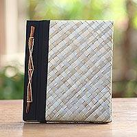 Natural fiber journal, 'Weaver Wonder' - Pandan Leaf Woven Journal with 100 Rice Straw Pages