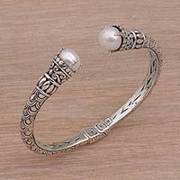 Cultured pearl cuff bracelet, 'Queenly Crowns' - Cultured Pearl and Sterling Silver Cuff Bracelet from Bali