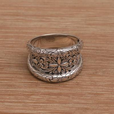 Sterling silver cocktail ring, 'Love in Tune' - Handmade 925 Sterling Silver Floral Motif Cocktail Ring