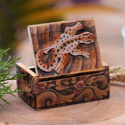 Wood mini jewelry box, 'Gecko Forest' - Gecko-Themed Wood Mini Jewelry Box from Bali