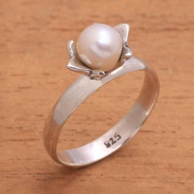 Cultured pearl solitaire ring, 'Blooming Light' - Floral Cultured Pearl Cocktail Ring from Bali