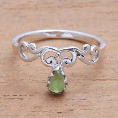 Peridot band ring, Lovely Vines