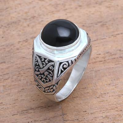 Men's onyx ring, 'Warrior's Soul' - Men's Sword Motif Onyx Ring from Bali