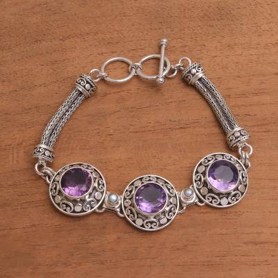 Amethyst and cultured pearl pendant bracelet, 'Temple Roof' - 10-Carat Amethyst and Cultured Pearl Pendant Bracelet