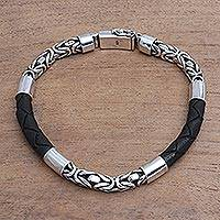 Men's sterling silver and leather bracelet, 'Strong Unity in Black' - Men's Sterling Silver and Leather Bracelet in Black