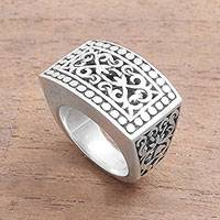 Sterling silver signet ring, 'Balinese Shield' - Patterned Sterling Silver Signet Ring from Bali